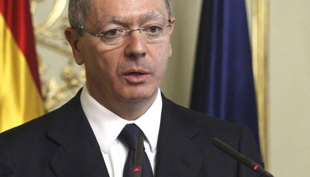 El ministro Ruiz-Gallardón, en la rueda de prensa este lunes.