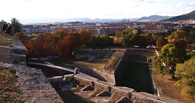 Vistas de Pamplona tomadas desde las murallas.