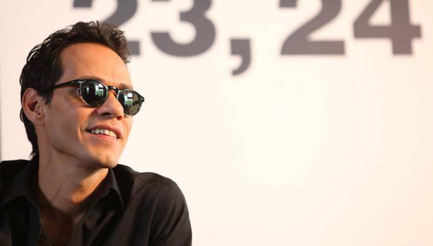 El artista Marc Anthony en la rueda de prensa en Méjico