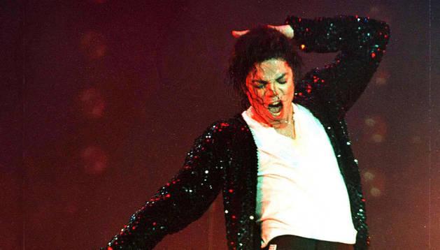 El rey del pop, en un concierto de 1996