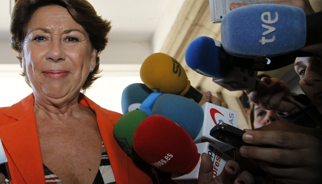 La exministra de Fomento Magdalena Álvarez, a su llegada a la Audiencia de Sevilla.