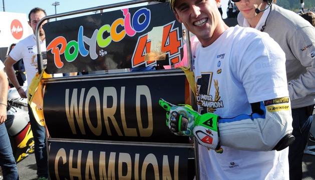 Pol Espargaró celebra su título de Moto2