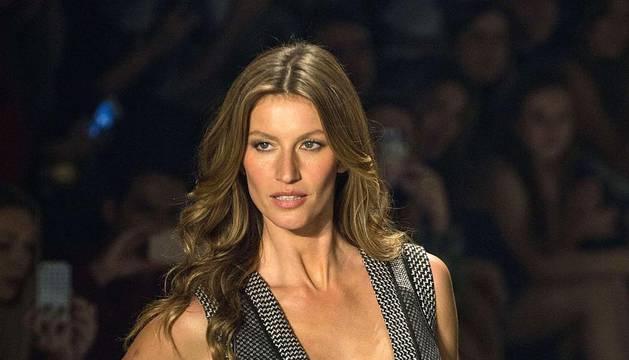 Regreso de la supermodelo Gisele Bundchen a la semana de la moda de Brasil
