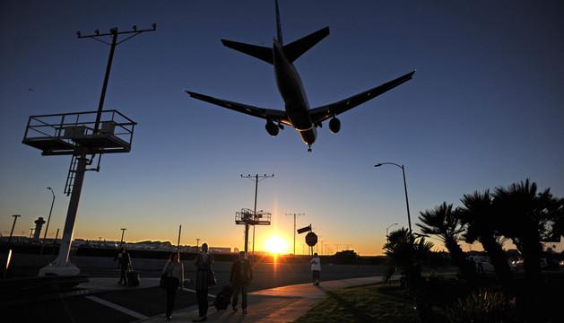 El aeropuerto de Los Ángeles recobra la normalidad tras el tiroteo