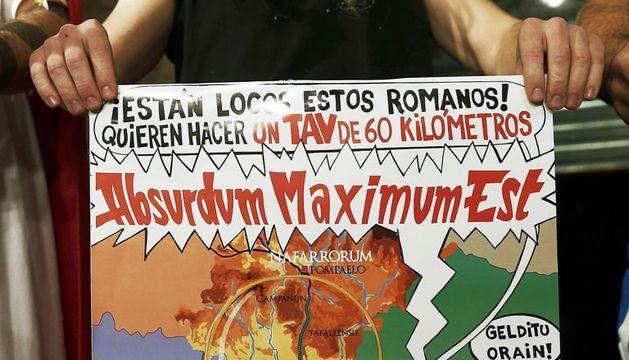 Imagen del cartel con el que se anuncia la manifestación convocada por AHT Gelditu.