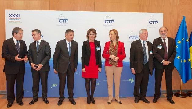 Imagen de las autoridades representantes de las regiones miembros de la CTP.