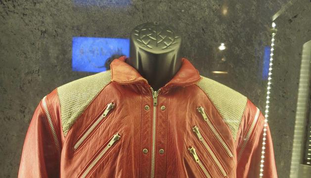 La chaqueta roja que llevó Michael Jackson.