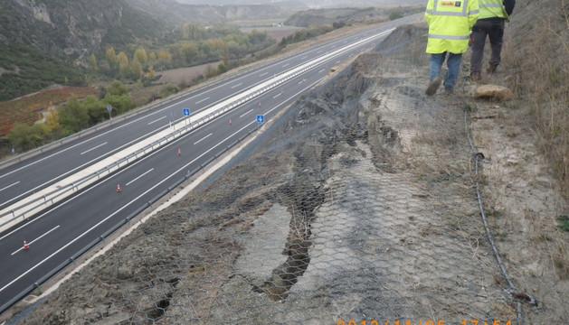 Zona superior del talud deslizado. Debajo, la Autovía a Jaca.