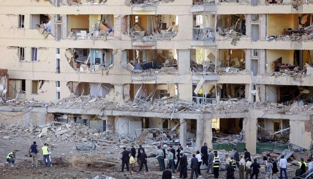 Imagen del atentado en la casa cuartel de Burgos en 2009. ARCHIVO