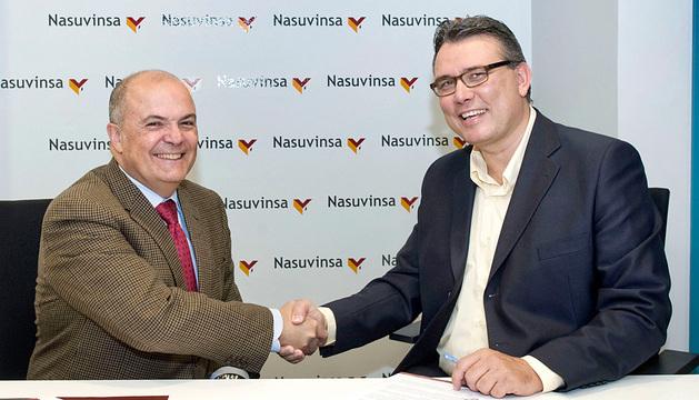 El consejero Luis Zarraluqui y Gilberto Padrón, director de Adsis.