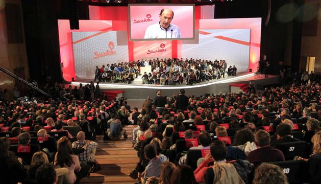 El secretario general del PSOE, Alfredo Pérez Rubalcaba, durante su intervención en la segunda jornada de la Conferencia Política del PSOE que se celebró este fin de semana en Madrid
