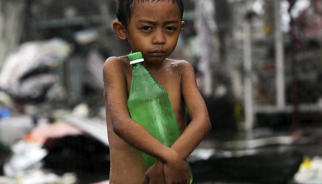 Paso del tifón Haiyan por Filipinas