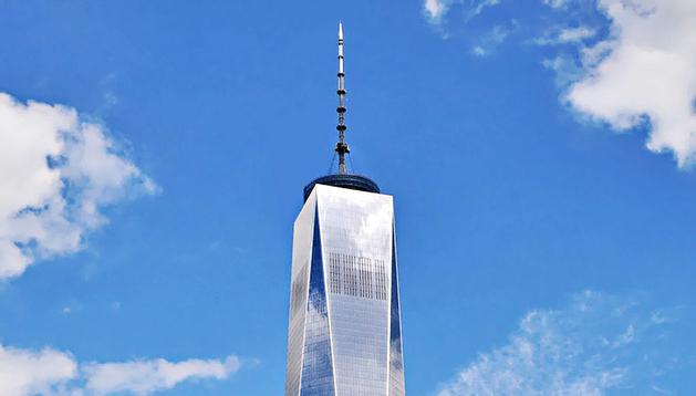 Fotografía de archivo cedida el 8 de noviembre de 2013 de la Freedom Tower (Torre de la Libertad), de Nueva York