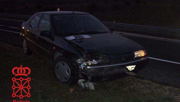 Uno de los vehículos accidentados estos días tras atropellar a un jabalí.
