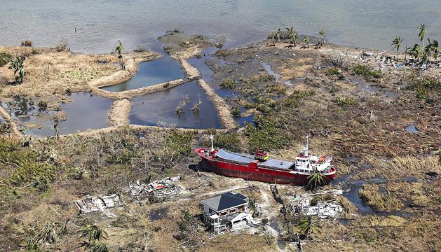 Destrucción en Filipinas tras el paso del tifón