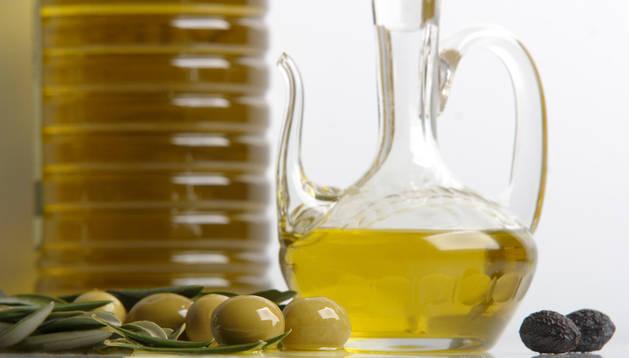 La ley prohibirá las garrafas rellenables de aceite a partir de 2014.