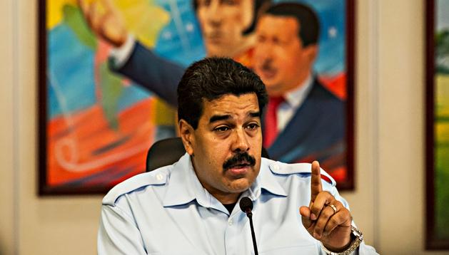 El presidente de Venezuela, Nicolás Maduro, habla durante una rueda de prensa
