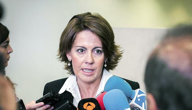 La presidenta del Gobierno Navarra, Yolanda Barcina, hace declaraciones a los medios a su llegada a la Audiencia Nacional.
