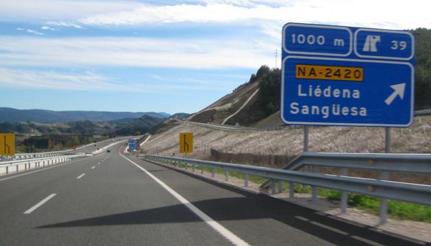 Señal que anuncia la entrada a Liédena y Sangüesa desde la A-21 en sentido Jaca