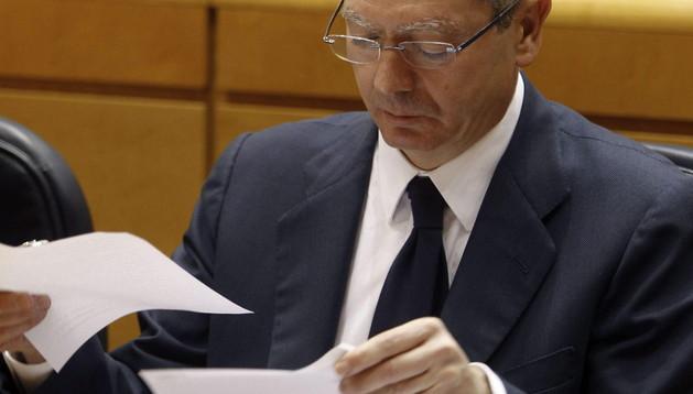 El ministro de Justicia, Alberto Ruiz Gallardón, este martes en la sesión de control al Gobierno que ha tenido lugar en el pleno del Senado