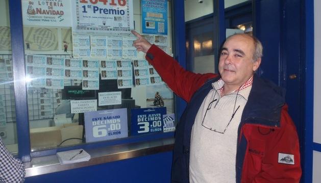Carlos Cortes, el dueño del local de la Plaza del Castillo, ayer