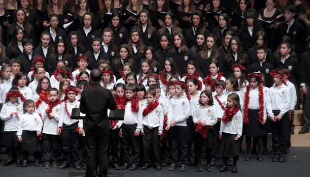 Todos los coros jóvenes del Orfeón, en Baluarte