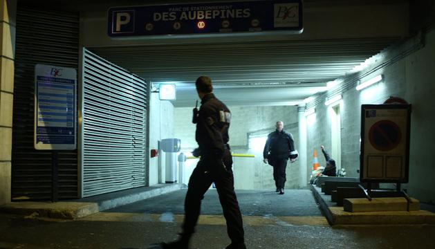 Abdelhakim Dekhar fue detenido en un párking subterráneo de Bois-Colombes, al noroeste de la capital.