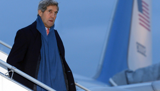 El secretario de Estado de EEUU, Kerry, a su llegada al aeropuerto de Ginebra