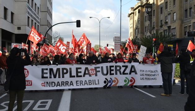 Las diferentes organizaciones han marchado bajo el lema 'Emplea tu fuerza. Zure indarra erabili'