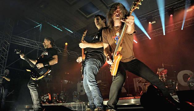 Barricada ofreció el último concierto de su carrera en el pabellón Anaitasuna de Pamplona.