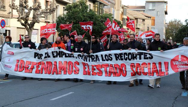 Asistentes a la manifestación que tuvo lugar el pasado sábado en Tudela contra la política de recortes