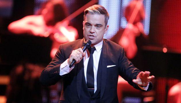 El cantante británico Robbie Williams durante un concierto
