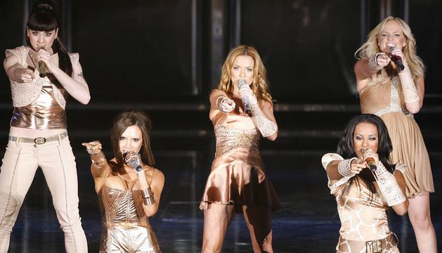 Spice Girls, una de las bandas que aparece en el libro