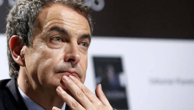 El expresidente José Luis Rodriguez Zapatero en la presentación de su libro.