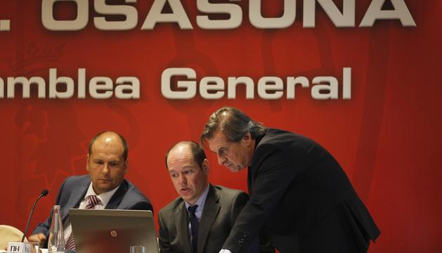 Txuma Peralta, Sancho Bandrés y Miguel Archanco, en la pasada Asamblea General de compromisarios.