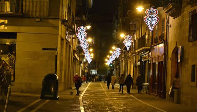 Un año más, la festividad de San Saturnino trae la iluminación de las calles y la fachada del Ayuntamiento.