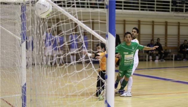 Jesulito, en el momento del gol en el 1-0