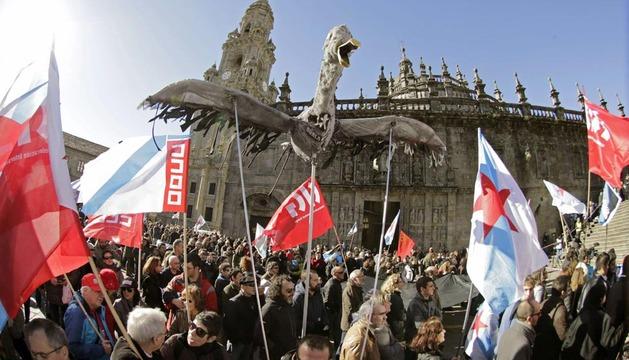 Miles de personas han participado en la manifestación de Santiago de Compostela.