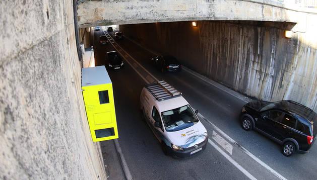Miles de coches circulan a diario bajo el túnel que une avenida de Navarra con Pío XII.