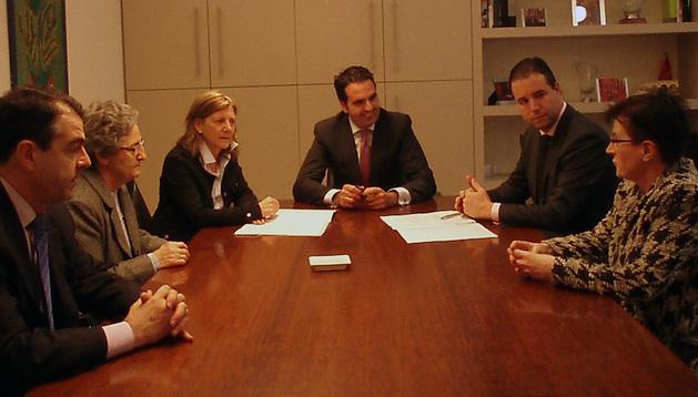 Toquero, Pardo, Botín, el consejero Alli, Fernández y Urdín en la reunión.