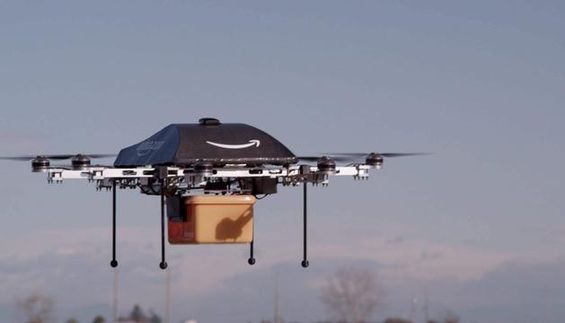Imagen sin datar cedida por Amazon el 2 de diciembre del 2013 que muestra un avión no tripulado o