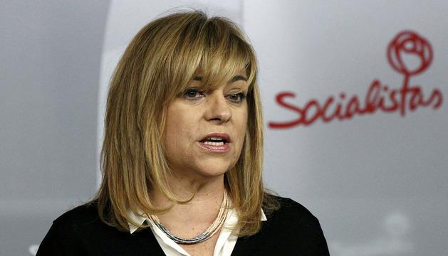 La vicesecretaria general del PSOE, Elena Valenciano, durante la rueda de prensa de este lunes