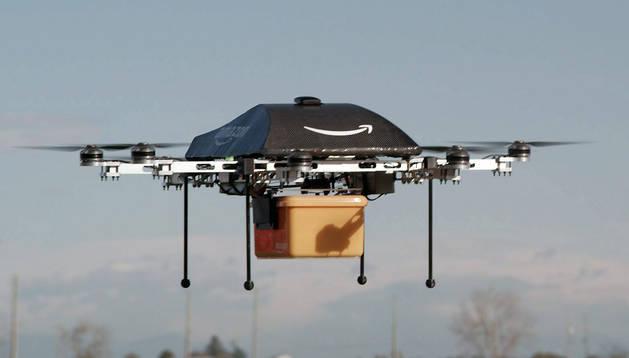 Imagen cedida por Amazon que muestra un avión no tripulado o