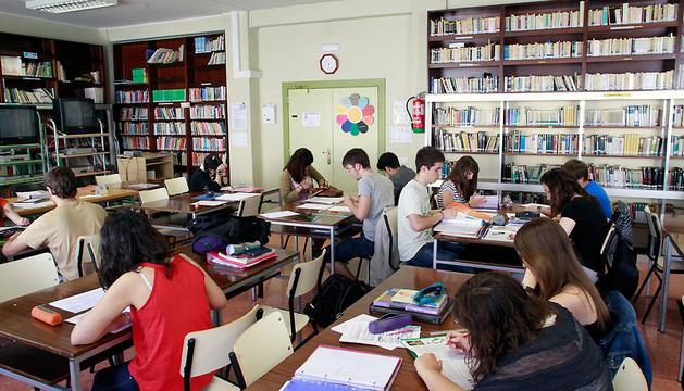 Alumnos del IES Navarro Villoslada en una imagen de 2012