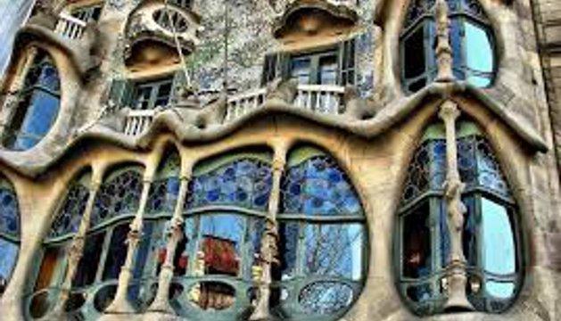 De España, destacan la obra de Gaudí