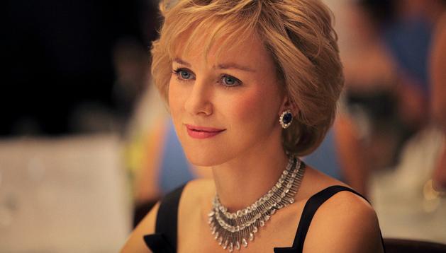 La actriz Naomi Watts caracterizada como Lady Di