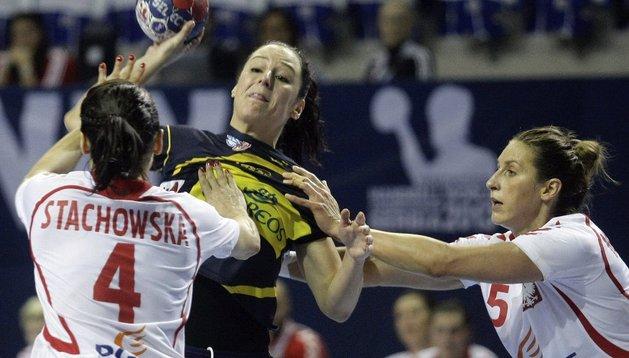 Macarena Aguilar, ante Polonia en el Mundial de Serbia