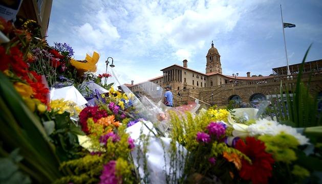Sudáfrica prepara el funeral de Nelson Mandela