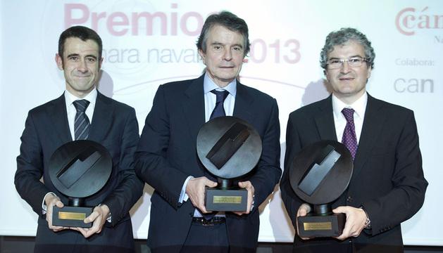 El empresario Antonio Catalán (c), el director general de Embutidos Goikoa S.A., Alberto Jiménez, y Jon Angulo, director general de Hidro Rubber Ibérica S.A.