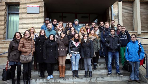Los alumnos del CIP ETI que participaron en la jornada con sus profesores